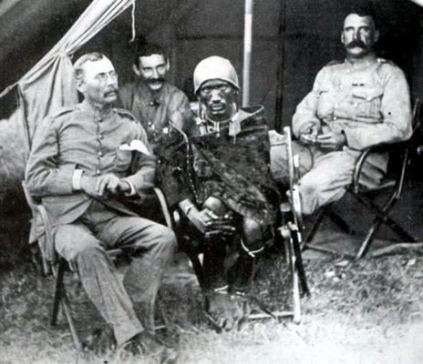 "Il Laibon Lenana, ""uomo della medicina"" maasai intorno al 1890."