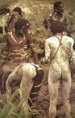 """Cerimonia masai chiamata eunoto """"maggiore età""""."""