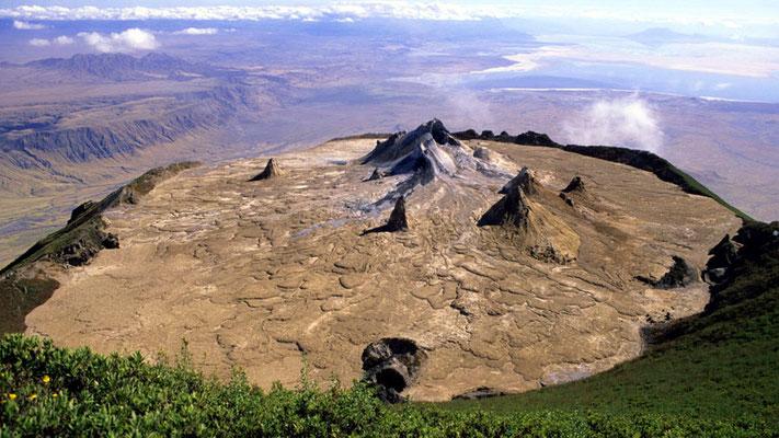 Vista del cratere dalla cresta più alta del Ol Doinyo Lengai