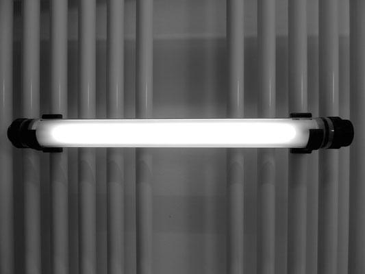 Kabellose LED Lampe im Badezimmer
