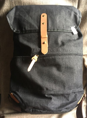 Rucksack aus Recycling-Jeans