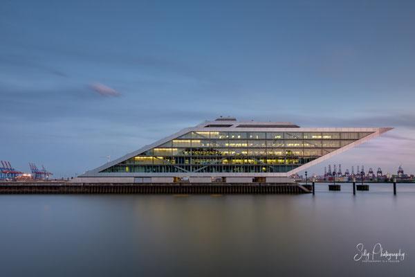Hamburg / Dockland, Langzeitbelichtung, 2019, © Silly Photography