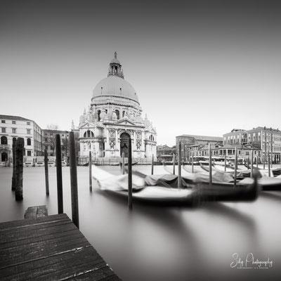 Venedig / Venezia, Santa Maria della Salute, Gondeln, Italien, Langzeitbelichtung, 2017, © Silly Photography