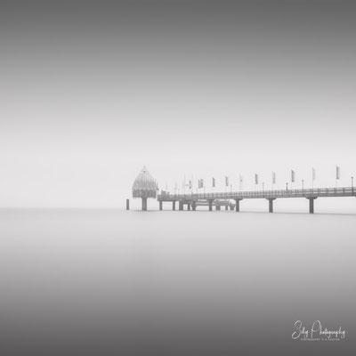 Zingst / Darß / Ostsee, Seebrücke, Tauchglocke Langzeitbelichtung, 2018, © Silly Photography