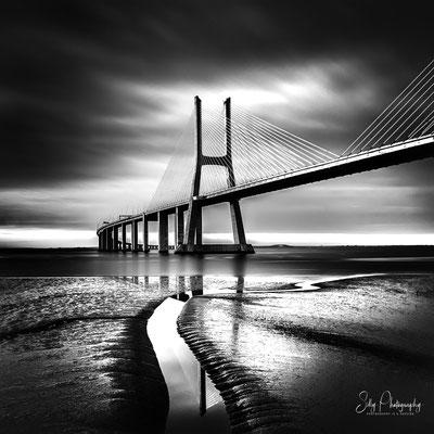 Portugal / Ponte Vasco da Gama, Lissabon, Langzeitbelichtung, 2016, © Silly Photography