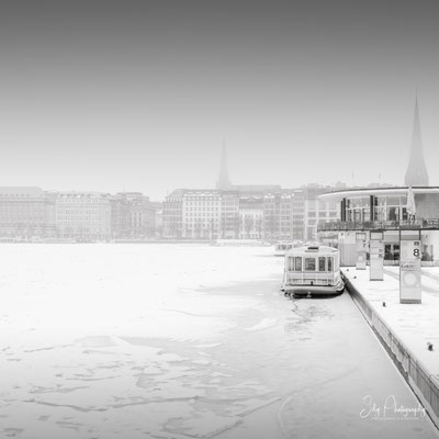 Hamburg / Alsterpavillon, Binnenalster, Langzeitbelichtung, 2021, © Silly Photography