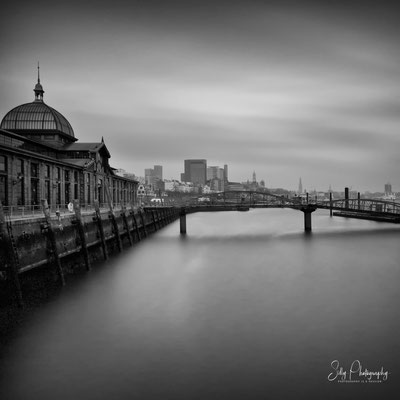 Hamburg / Hamburger Hafen, Altona Fischmarkt, Langzeitbelichtung, 2015, © Silly Photography