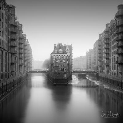 Hamburg / Hamburger Wasserschloss, Langzeitbelichtung, 2019, © Silly Photography