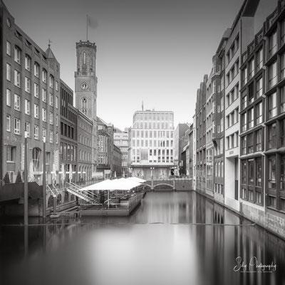 Hamburg / Alte Post, Bleichenfleet, Langzeitbelichtung, 2021 © Silly Photography