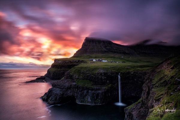 Färöer / Faroe Island, Gásadalur, Langzeitbelichtung, 2017, © Silly Photography