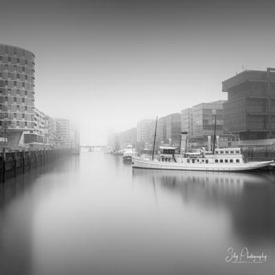 Hamburg / Hafencity, Hamburger Hafen, Langzeitbelichtung, 2019, © Silly Photography