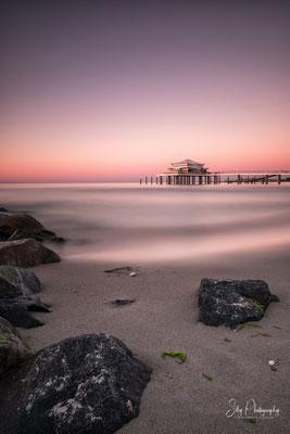 """Timmendorfer Strand, Ostsee, Seebrücke, Teehaus, """"Wolkenlos"""", Langzeitbelichtung, 2017, © Silly Photography"""