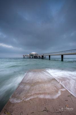 """Timmendorfer Strand, Ostsee, Seebrücke, Teehaus, """"Wolkenlos"""", Langzeitbelichtung, 2020, © Silly Photography"""