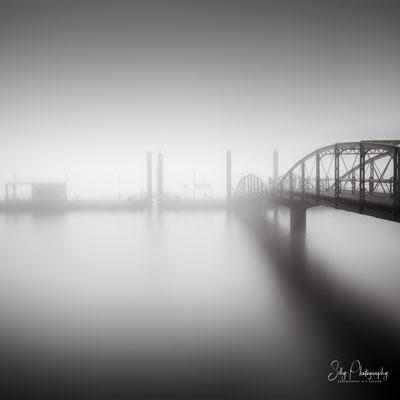 Hamburg / Hamburger Hafen, Fähranleger Fischmarkt, Langzeitbelichtung, 2018, © Silly Photography