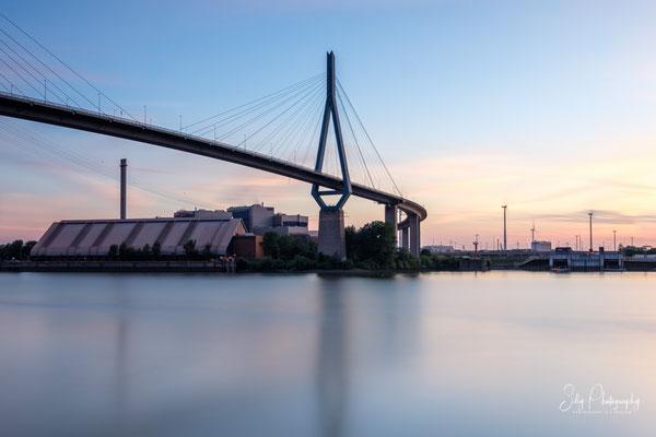 Hamburg / Köhlbrandbrücke, Langzeitbelichtung, 2020, © Silly Photography
