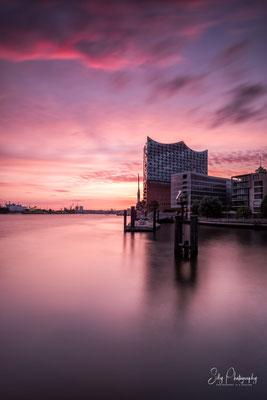 Hamburg / Hafencity, Elbphilharmonie, Langzeitbelichtung, 2017, © Silly Photography