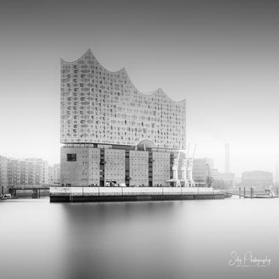 Hamburg / Elbphilharmonie, Hamburger Hafen, Langzeitbelichtung, 2019, © Silly Photography