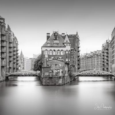 Hamburg / Hamburger Wasserschloss, Langzeitbelichtung, 2020, © Silly Photography