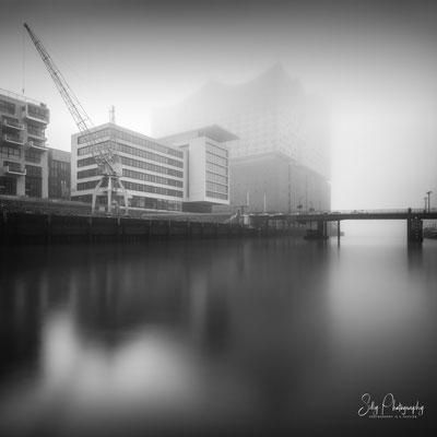 Hamburg / Hafencity, Elbphilharmonie, Langzeitbelichtung, 2018, © Silly Photography
