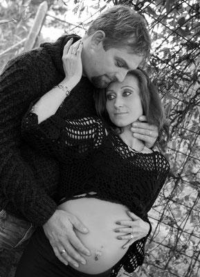 Babybauchshooting besonders romantisch natürlich Wörnersberg Freudensadt Nagold Pfalzgrafenweiler