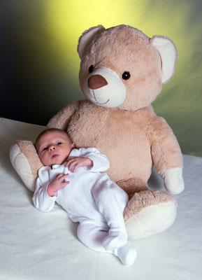 schön süß natürlich entspannt Baby Shooting Fotograf Kreis Freudenstadt