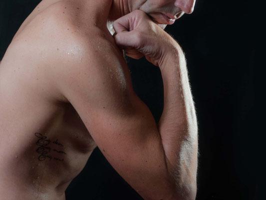 Aktfotografie Erotikfotografie Mann männlich besonders cool