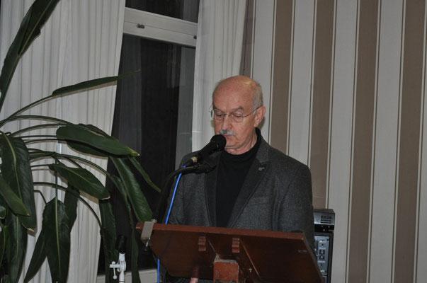 Schatzmeister Hasko Froese beim Kassenbericht           Foto: Claudia Wildi