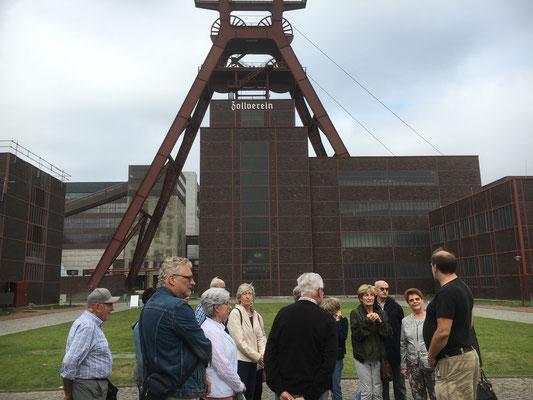 Führung auf der Zeche Zollverein in OberhausenEssen