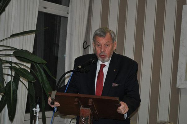 Kassenprüfer Dr. Rolf Wagner beim Bericht der Kassenprüfer und der Entlastung des Vorstands    Foto: Claudia Wildi