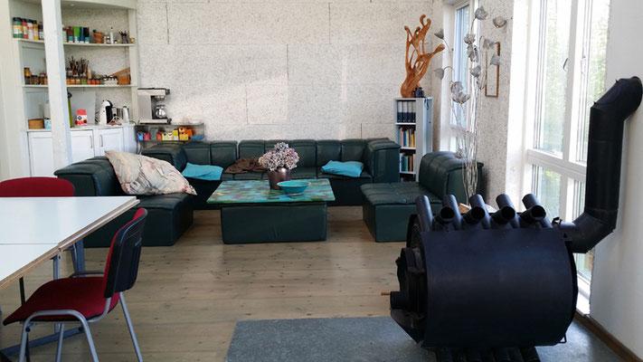Ateliersitzecke vor Corona, Foto Max Höppner