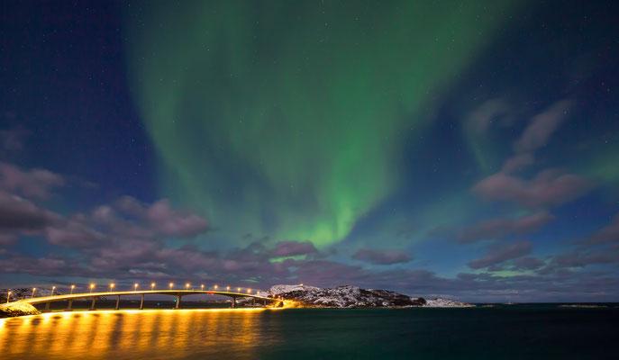 Aurora Borealis über der Brücke von Sommaroy