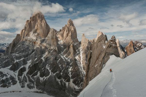 Die Fitz-Roy-Kette vom Cerro Torre ausgesehen - Mermoz sind vom Fitz Roy verdeckt © Fritz Miller