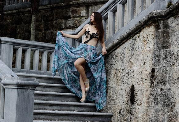 Nude tulle, aqua and black shades