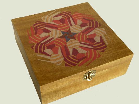Poisson façon Echer - boite en marqueterie - atelier Eclats de bois - Isère