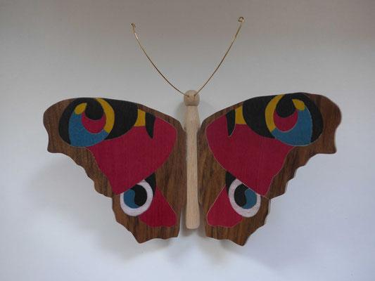 Paon du jour - papillon en marqueterie - atelier Eclats de bois - Isère