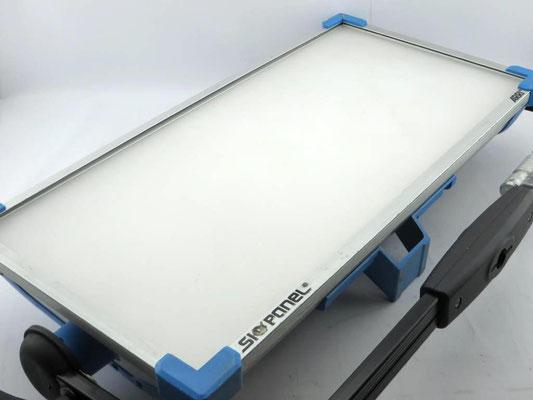 Puhlmann Cine - ARRI SkyPanel S60-C MAN blue/silver Schuko2.JPG