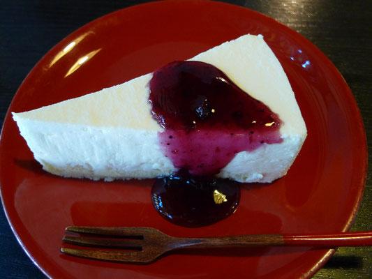 レアチーズケーキ(450円税込)