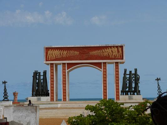 Pforte ohne Wiederkehr, Ouidah (Westafrika), © Brühl Stiftung, 2013