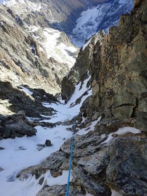 La neige et la glace rendent notre progression plus facile.