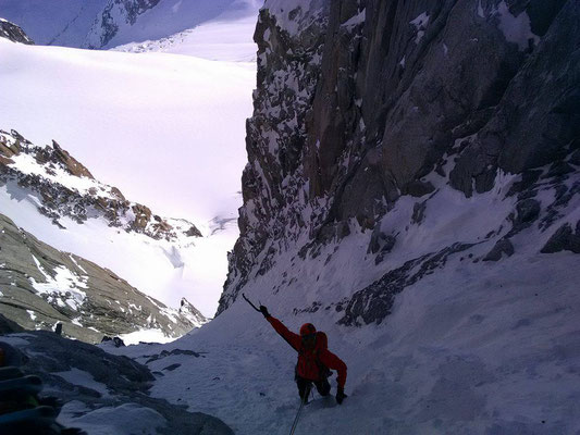 Le haut de la pente de neige