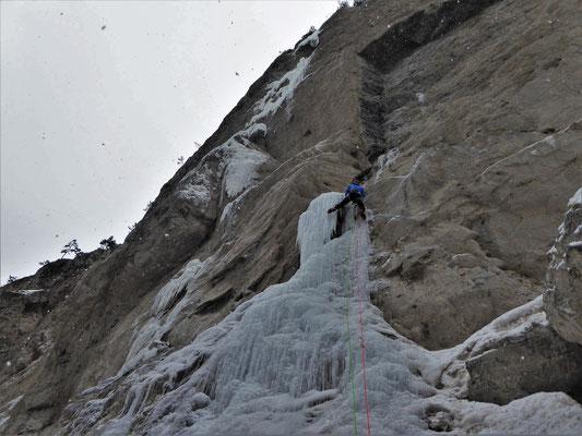 Départ de L1, Sarret-c't'un jeu, gorge de Glacenost, cascade de glace Maurienne
