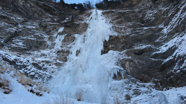 Cascade d'Hermillon la Maigrichonne, le mur final.