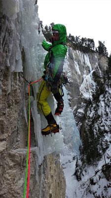 Départ de L2, grosse douche... Sarret-c't'un jeu, gorge de Glacenost, cascade de glace Maurienne