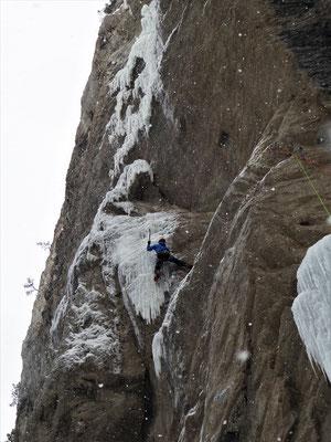 L1, magnifique! Sarret-c't'un jeu, gorge de Glacenost, cascade de glace Maurienne