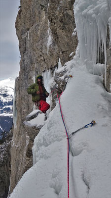Stéph au 2nd relais - Glacenost / Matin Difficile / Cascade de Glace / Haute-Maurienne