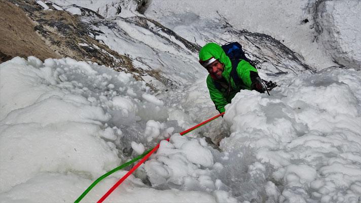 Sous R1, dément! Sarret-c't'un jeu, gorge de Glacenost, cascade de glace Maurienne