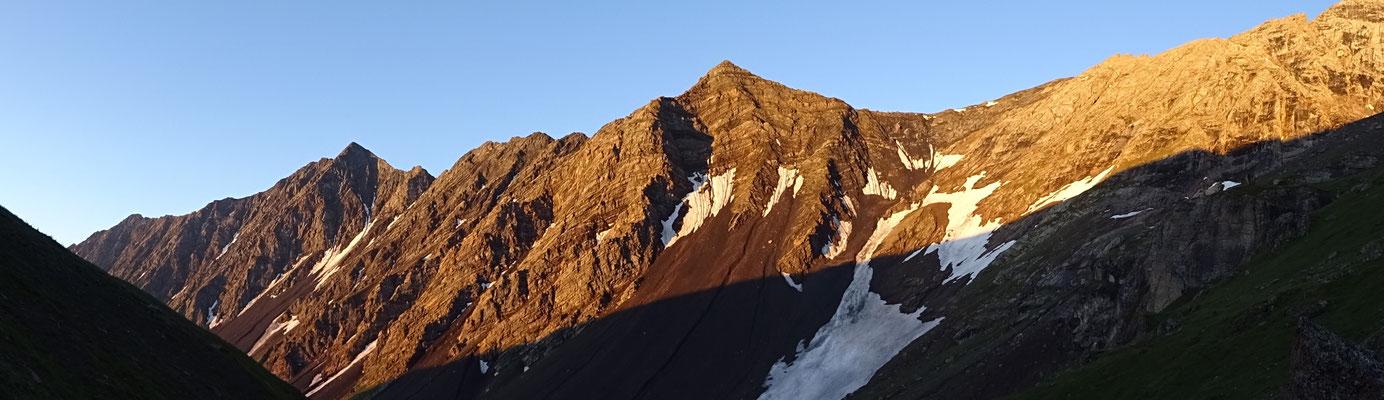 Lever de soleil sur la combe des Aiguilles - Aiguilles d'Arves topo