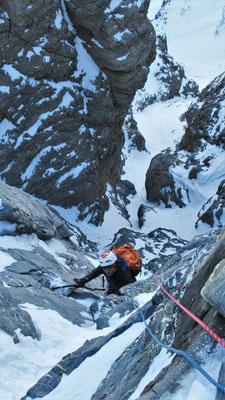 Marion dans le mixte de sortie  -  Cascade guide Maurienne