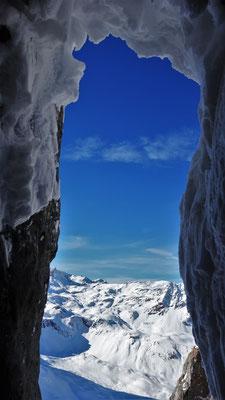 Dans la fameuse grotte. Grand Argentier / Tire Bouchon / Topo