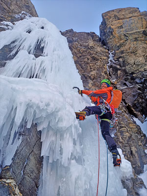 La belle longueur de sortie  -  Cascade guide Maurienne